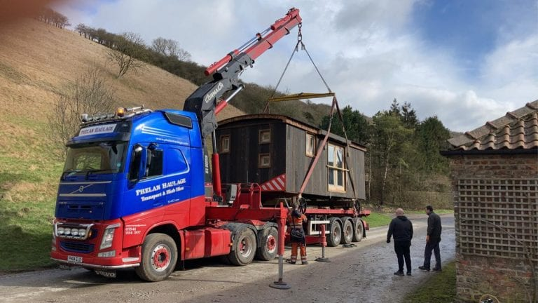 Cabins On The Move – Shepherd Hut HIAB Specialist Transport